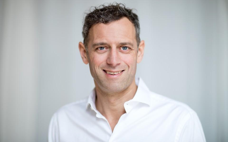 Chiropraktiker und Heilpraktiker Marc Raffelsieper hilft Körper und Nervensystem miteinander in Einklang zu bringen